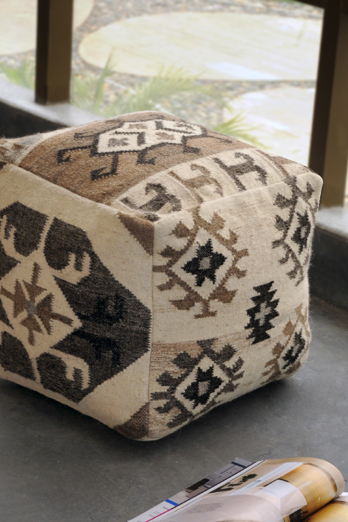 Carpets And Rugs Rugs Carpets Poufs Stools Cushions Sharda Awesome Cheap Poufs Online